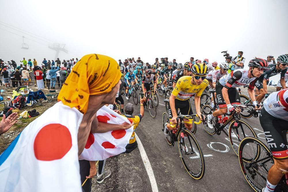 Tadej Pogacar prácticamente sentencia el Tour de Francia al ganar la etapa 18