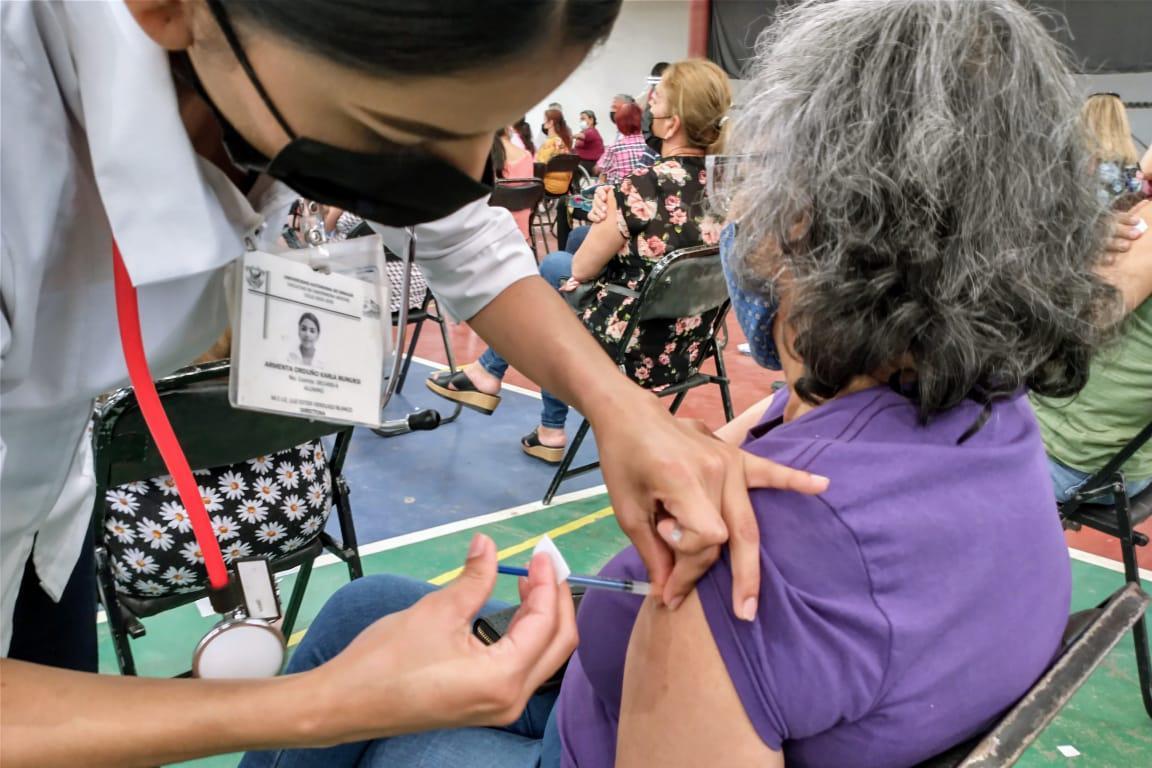 $!En Los Mochis la vacunación contra el Covid-19 se registra con más orden