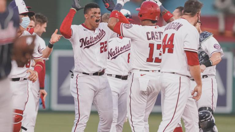 Juan Soto da triunfo a Nationals sobre Braves en debut de Washington en temporada 2021
