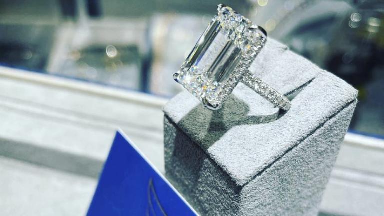 Entérate cuánto costó el anillo que Christian Nodal le entregó a Belinda